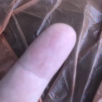 Маленькие круглые жучки серо-коричневые, менее 1 мм , не видно усиков, лапок